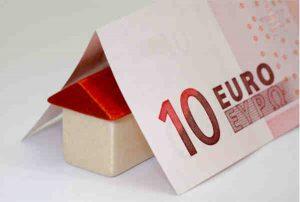Stellen Sie sich beim Hauskauf geschickt an, können Sie bei der Grunderwerbssteuer viel Geld sparen.