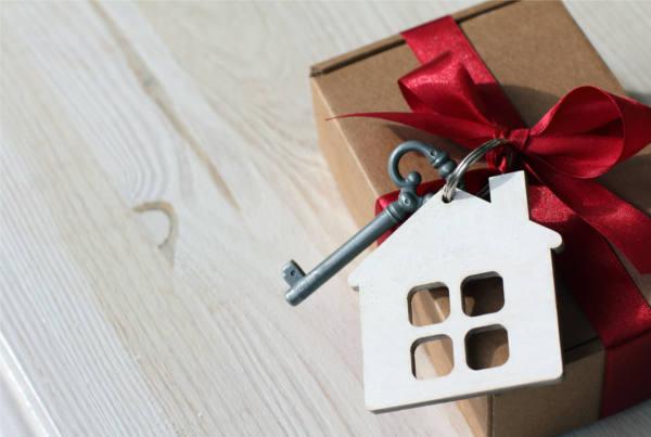 Schenkungssteuer Bei Immobilien Tipps Fur Die Immobilienschenkung